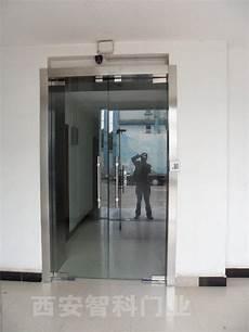 本公司生产销售的各类防火门、防火窗均通过公安部消
